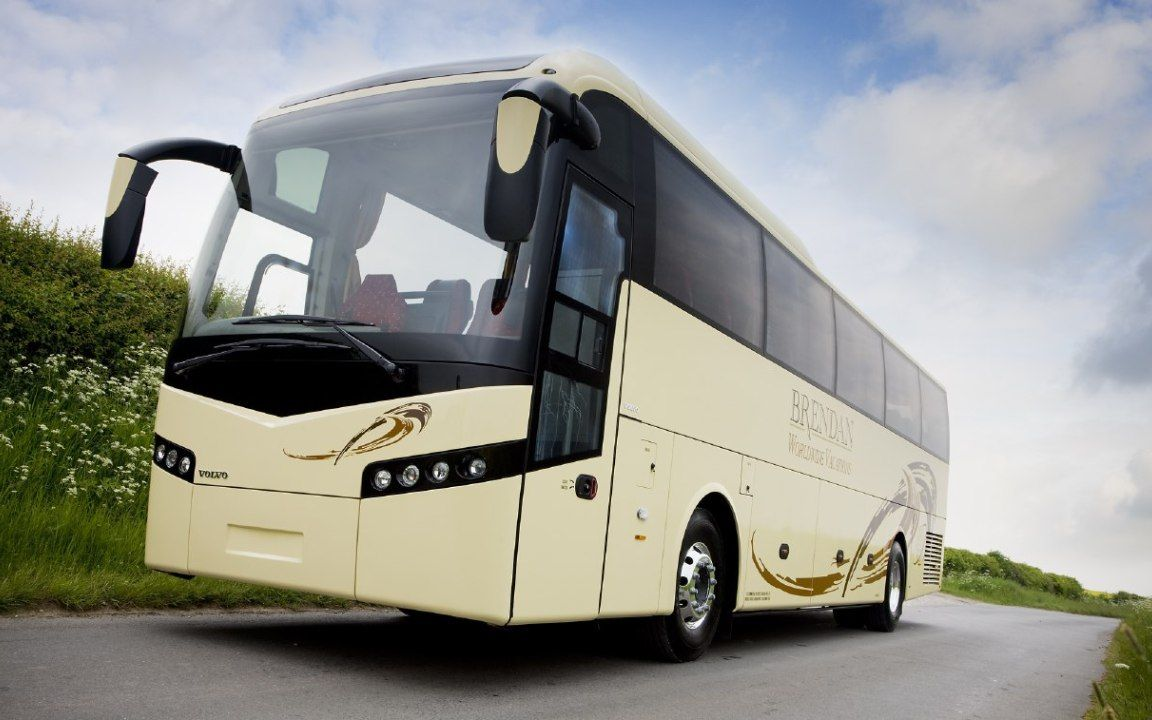 images of volvo bus