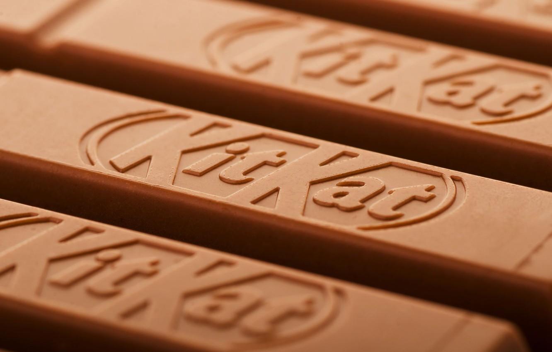 kitkat chocolate bars