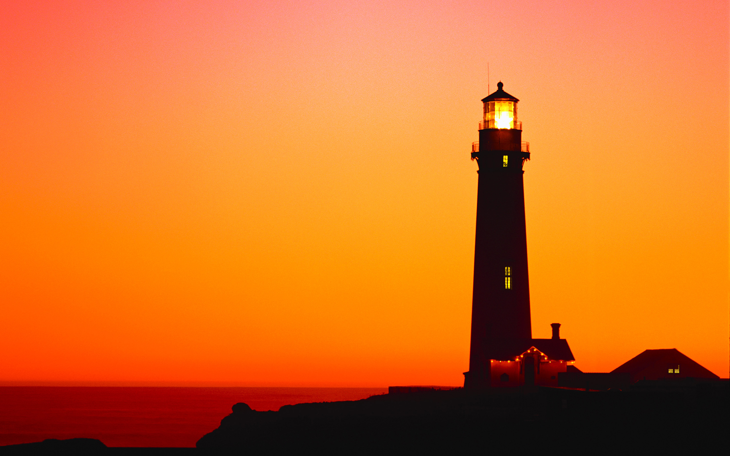 windows lighthouse wallpaper