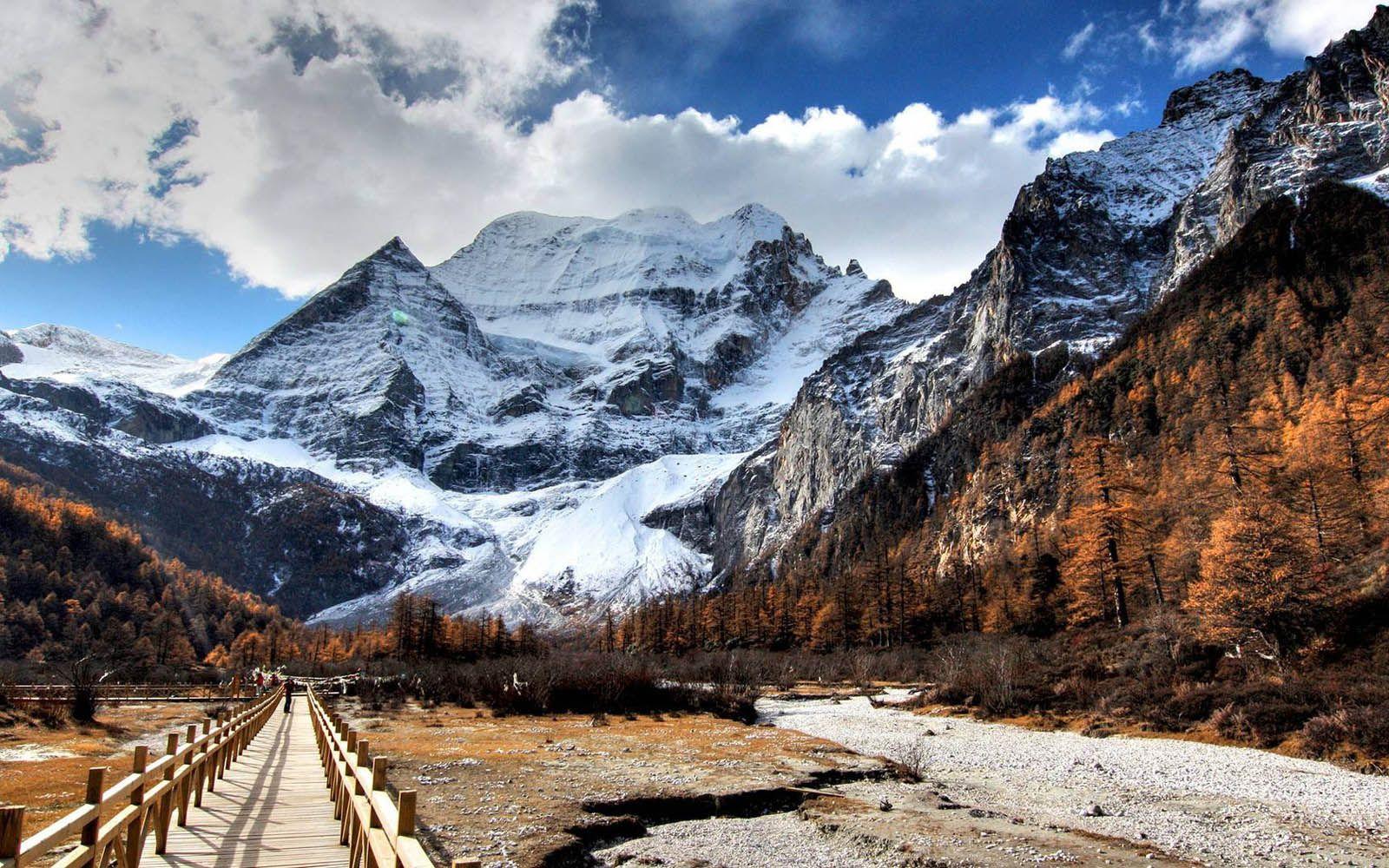 mountainous background wallpapers