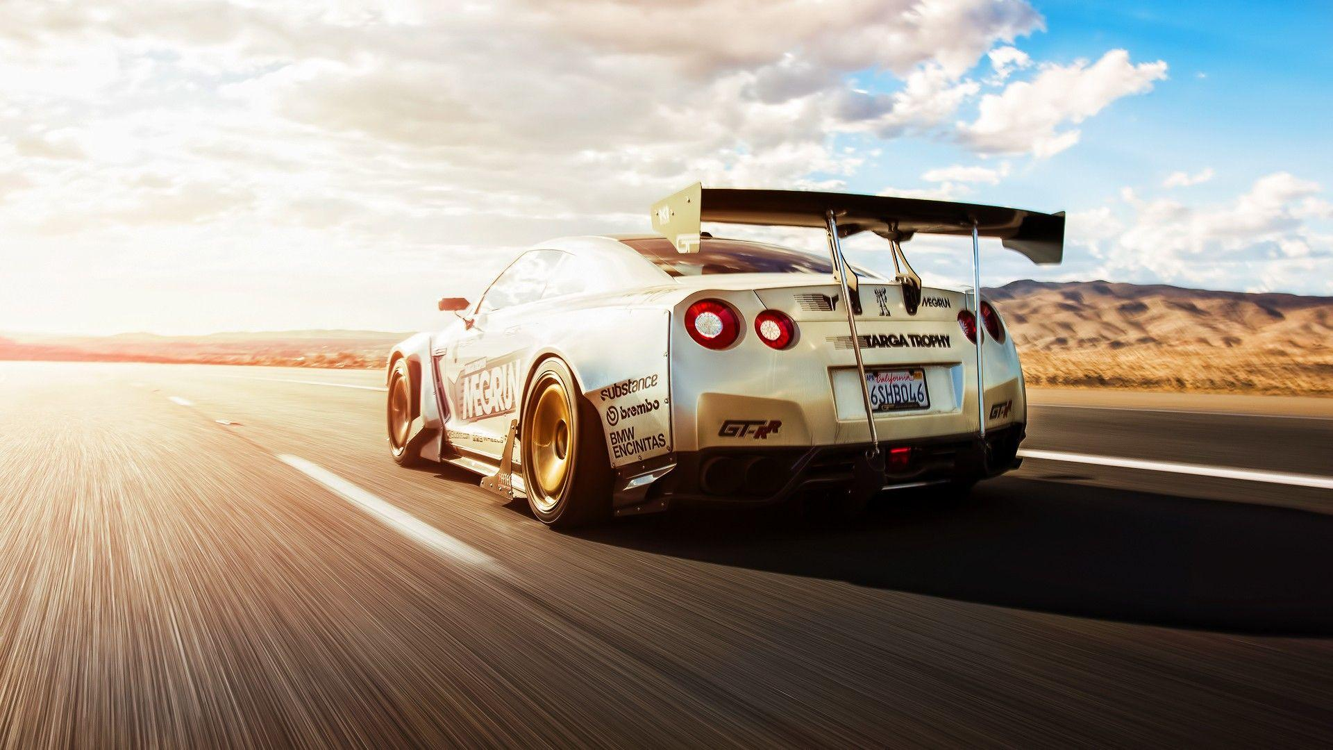 images of a nissan gtr