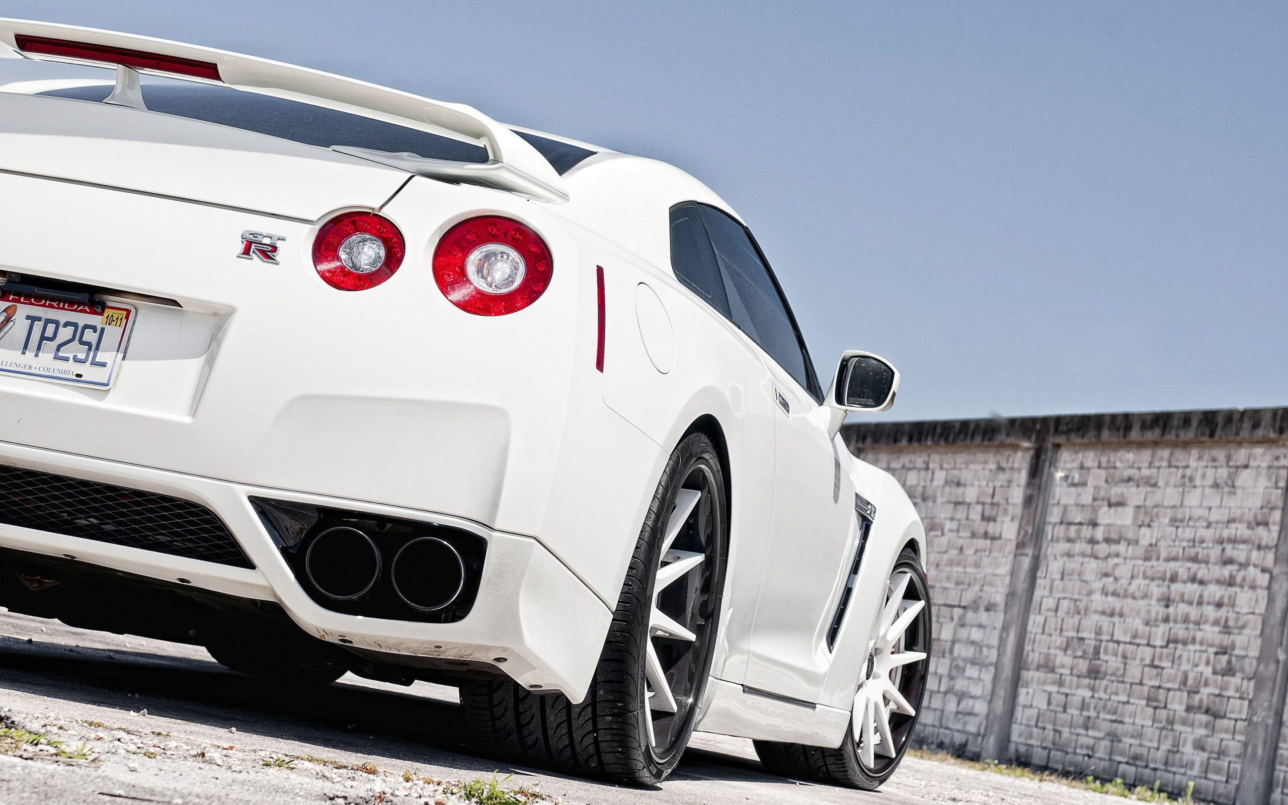 r35 wallpapers