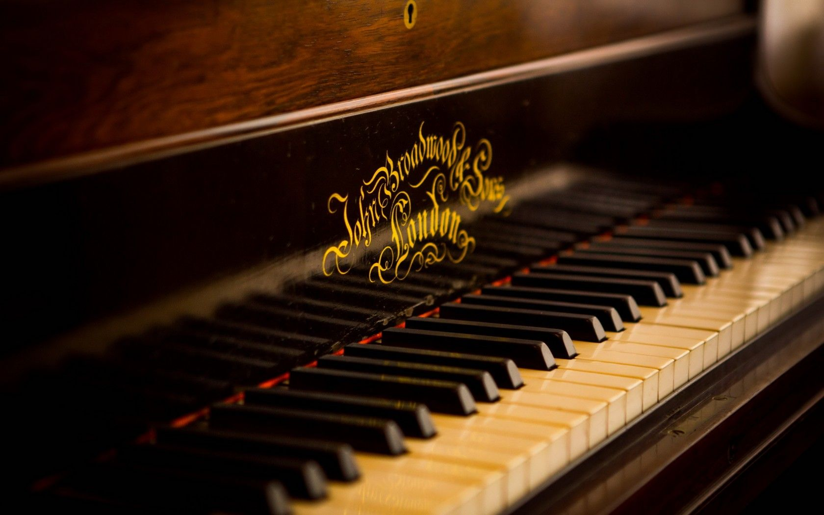 pictures of a piano