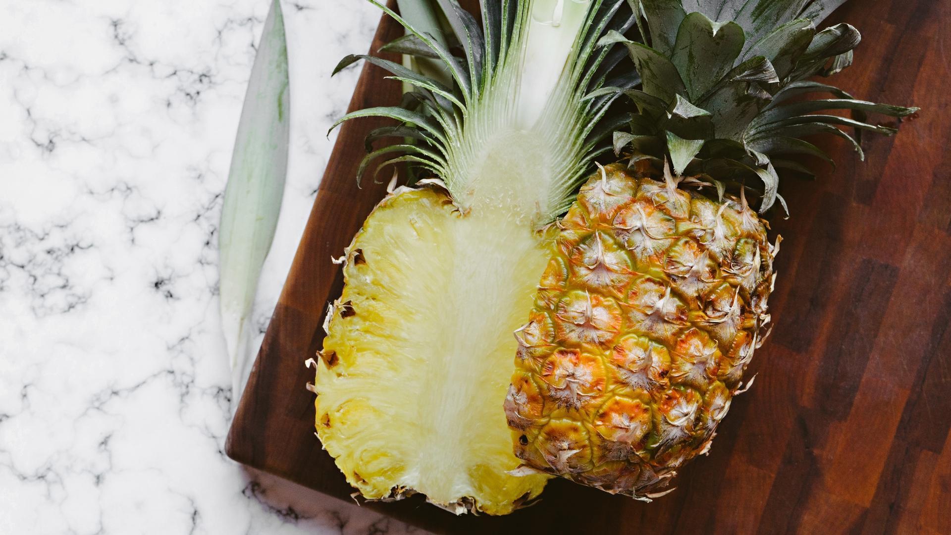 pineapple screensaver