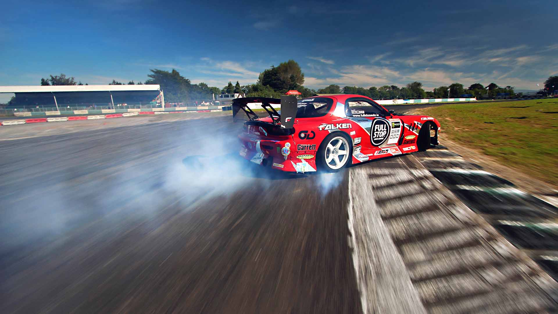 wallpaper race