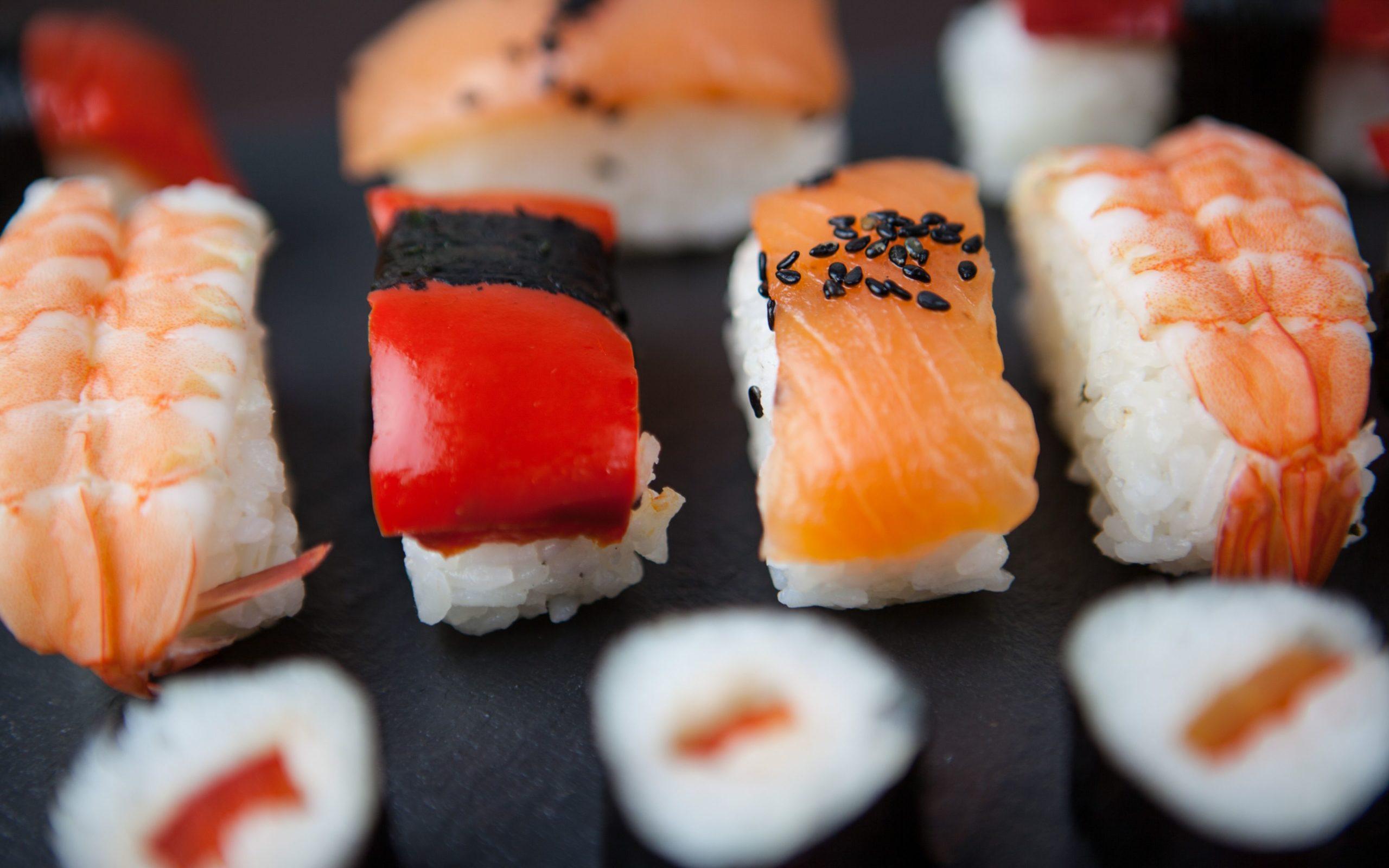 photos of sushi